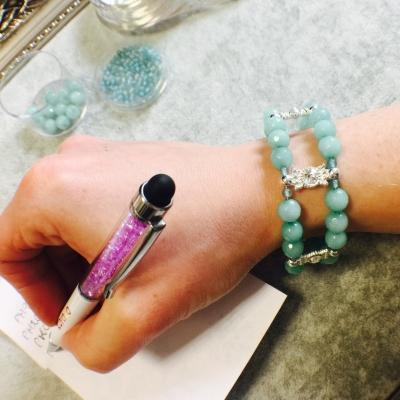 jak zrobić niebieską bransoletkę