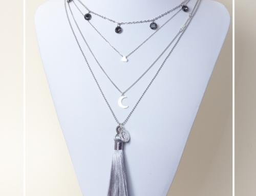 Modny kaskadowy naszyjnik ze srebrnymi zawieszkami