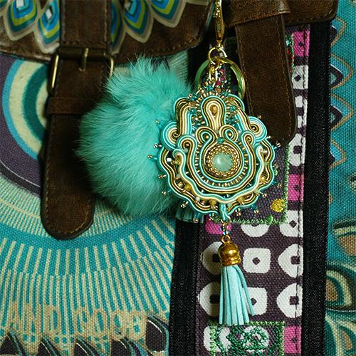 biżuteria z chwostami