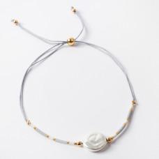 Bransoletka ze sztuczną perłą na sznureczku z koralikami Miyuki szara