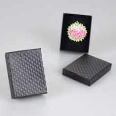 Czarne pudełko w kwadraciki 7x9cm