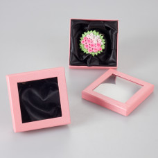 Pastelowo różowe pudełko z okienkiem 9x9cm