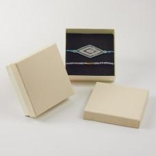 Pudełko do biżuterii ozdobne kwadratowe kremowe 9x9cm