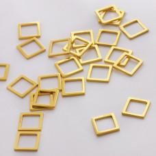Srebrna zawieszka- łącznik kwadrat wycinany AG925 złoty 9mm