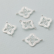 Rozgałęźnik kwiatek ażurowy Ag925 18x13mm srebrny