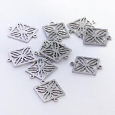 Łącznik ze stali chirurgicznej  kwadrat ażurowy srebrny 15mm