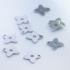 Mini zawieszka ze stali chirurgicznej koniczynka 7,4mm srebrna