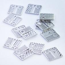 Mini zawieszka ze stali chirurgicznej celebrytka kwadrat ażurowy 8,4mm srebrna