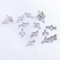 Zawieszka ze stali chirurgicznej krzyż wycięty srebrny 10,6mm