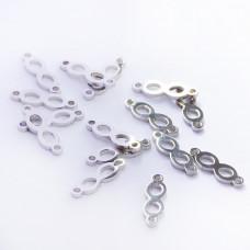 Łącznik ze stali chirurgicznej znak nieskończoności srebrny 13,7mm