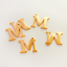 Zawieszka ze stali szlachetnej literka M złota 13mm