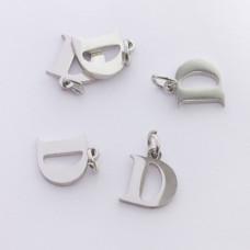 Zawieszka ze stali chirurgicznej literka D srebrna 7,5mm