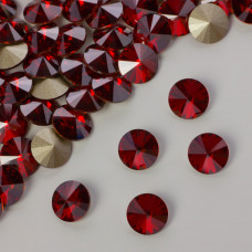 Swarovski rivoli stone red magma 8mm
