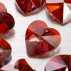 Swarovski heart 28 mm red magma