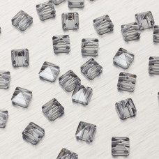 5061 Square spike bead silver night 7.5mm