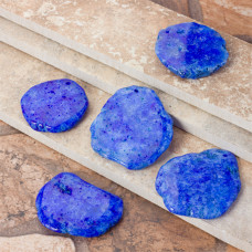 Kryształ górski barwiony niebieska zawieszka 50mm