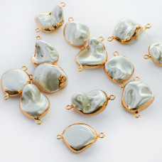 Perły seashell nugget w złotym okuciu łącznik 22-32mm