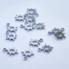 Mini zawieszka ze stali chirurgicznej słoneczko 6mm srebrna