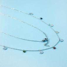 Naszyjnik z mini zawieszkami ze stali chirurgicznej liść miłorzębu i cyrkoniami srebrny 41cm