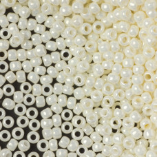 Koraliki TOHO Round 8/0 Opaque-Lustered Navajo White