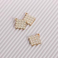 Zawieszka emaliowana kwadrat w bąbelki biały 15mm