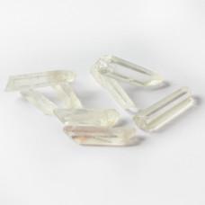 Kryształ górski slupek z dziurką 4-7cm